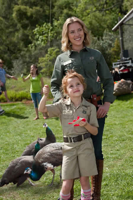 Scarlett Johansson with kids in We Bought a Zoo