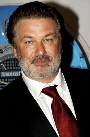 alec baldwin poses as a pilot