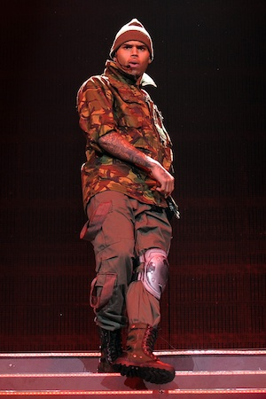 Chris Brown wants to perform at 2012 Grammys.