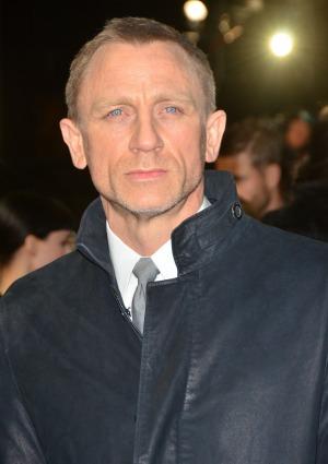 Daniel Craig hates politicians