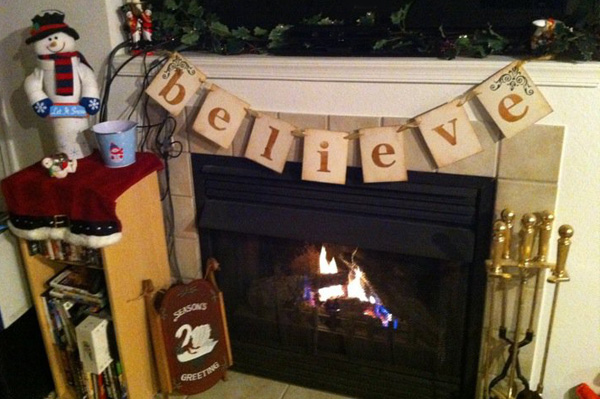 DIY Holiday mantle banner