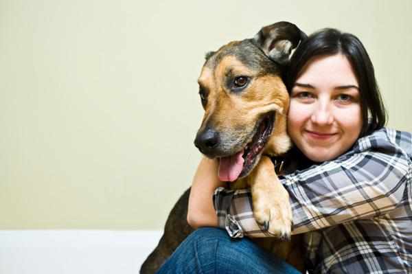 Dog sitter visiting client