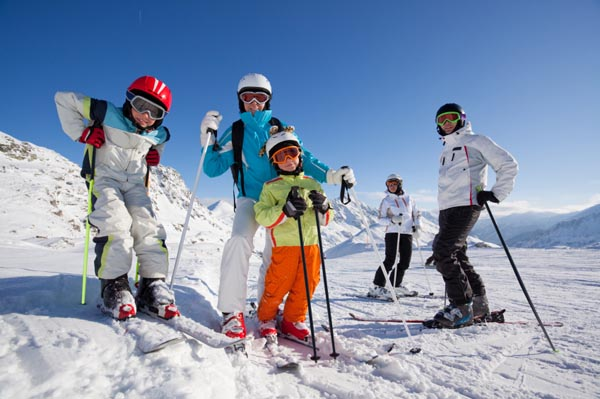 family-skiing-winter-sports