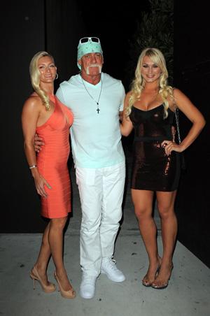 Hulk Hogan lashes out at Linda Bollea