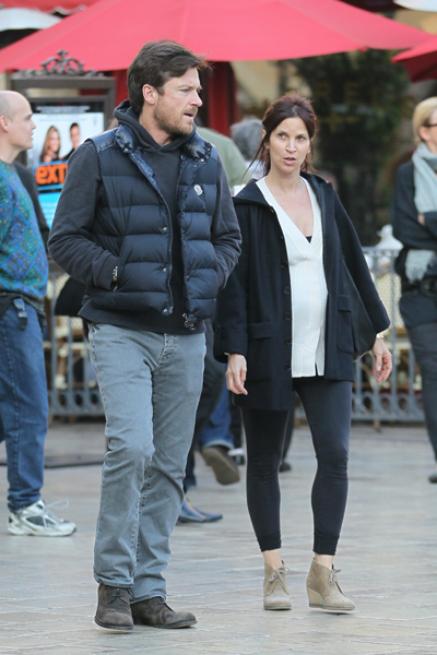 Jason Bateman and pregnant wife Amanda Anka