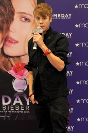 Justin Bieber earns Fragrance of the Year award for Someday