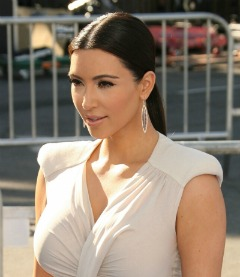 Kim Kardashian - Sleek ponytail hairstyle