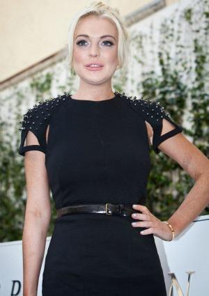 Lindsay Lohan gets deep in Playboy