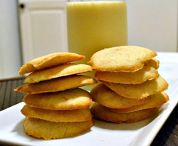 Low fat eggnog cookies