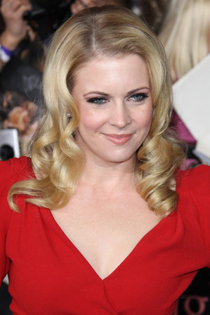 Melissa Joan Hart has a comical lunch