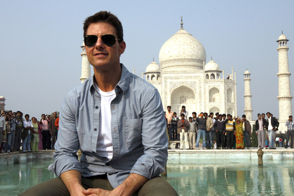 Tom Cruise hints at Bollywood future