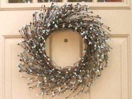 Sea swirl pip berry wreath