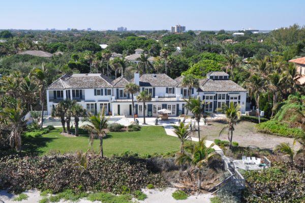Tiger's Ex Demolishes Mansion