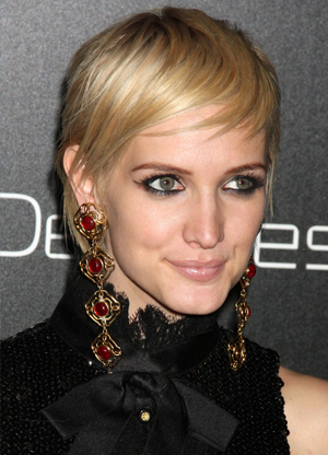 Ashlee Simpson -- Modern Pixie