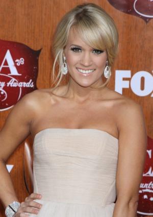 Carrie Underwood: Dog rescuer