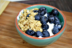 Dessert: Greek yogurt with blueberries and granola