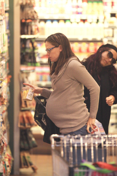 Pregnant Jennifer Garner