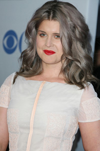 Kelly Osbourne's red lips and icky hair