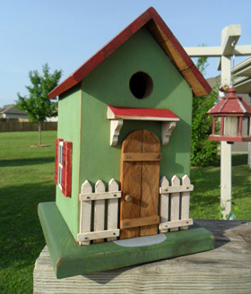 Picket Fence cottage birdhouse