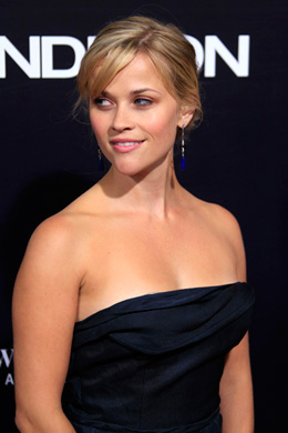Reese Witherspoon's chignon