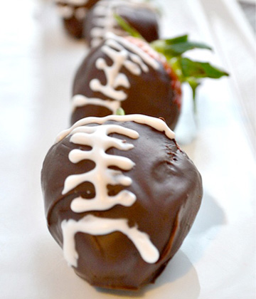 Mini strawberry footballs
