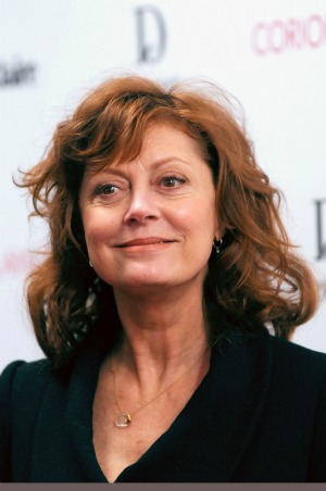 sarandon meets laura linney on the big c
