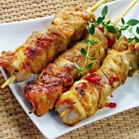 Herbed rub chicken skewers