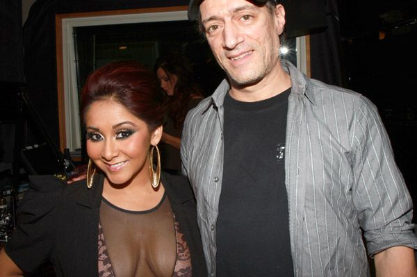 Snooki denies pregnancy