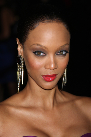 The CW renews America's Next Top Model for cycle 19