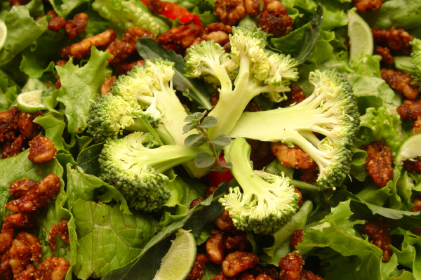 Broccoli walnut salad