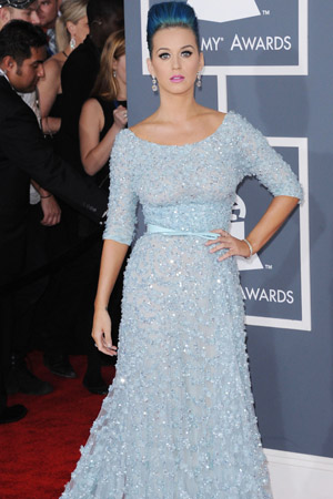 Katy Perry looks terrible at the 2012 Grammy Awards