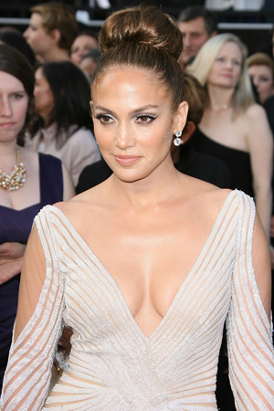 J.Lo didn't show off her nips: Stylist