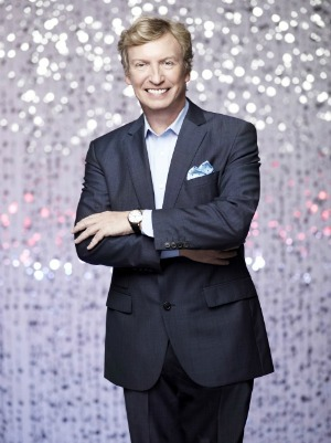 lythgoe dishes idol, voice and seacrest!