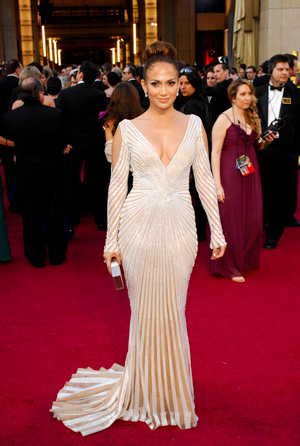 Jennifer Lopez at the 2012 Oscars