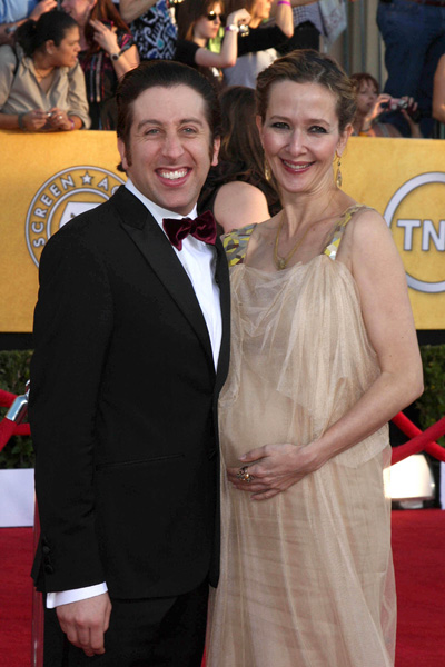 Simon Helberg and pregnant wife Jocelyn Towne at SAG Awards