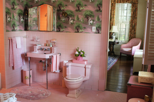 Picture of Hilly's Bathroom