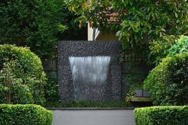 Garden waterfall fountain