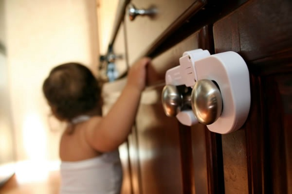 baby proofing cabinets