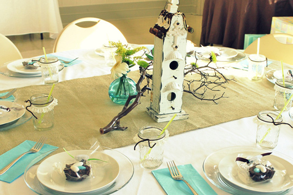 bird themed table decor