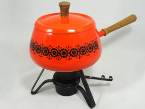 Retro orange fondue set