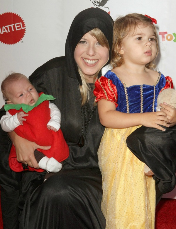 Jodie Sweetin and her daughters