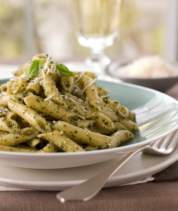Walnut pasta pesto