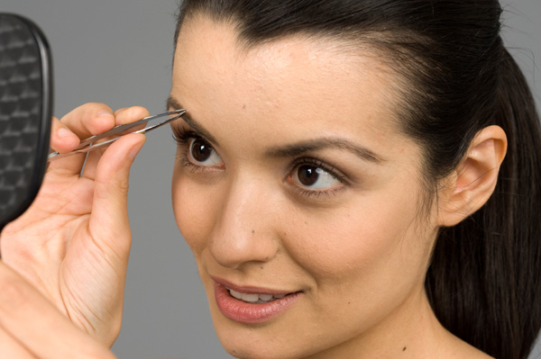 Choosing a suitable eyebrow shape