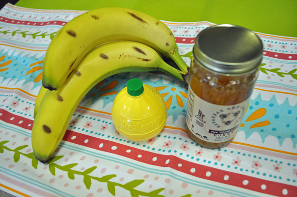 Banana lemon honey face mask