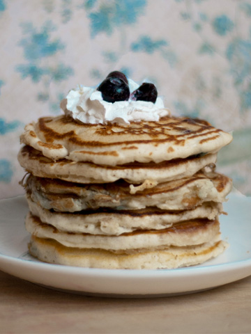 Blueberry and lemon scented buttermilk pancakes recipe