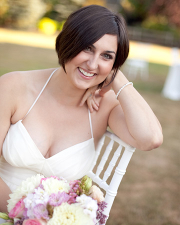 Bride with seasonal boquet