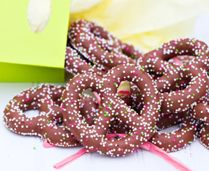 Candied pretzel
