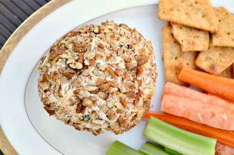 Nutty cheeseball