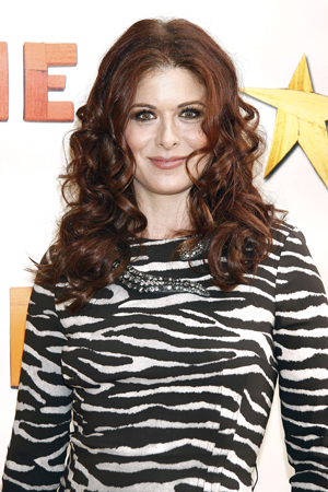 Debra Messing goes nude in Allure
