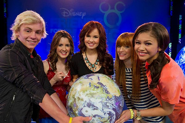 Disney Channel stars celebrate youth action!